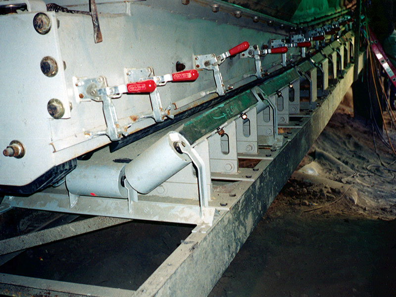 TXI, Pacific Custom Materials 700HP Cage Mill Discharge Chute
